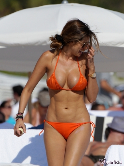 wife cumshot pics nude