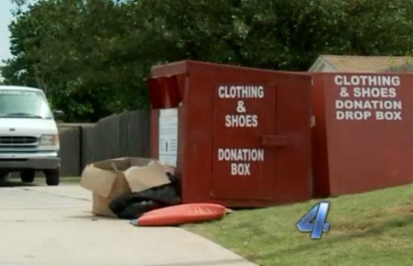 TONG mengumpul barangan terpakai yang 'memerangkap' seorang wanita penghidap sklerosis.
