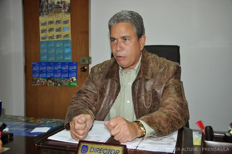 El profesor Ricardo Romero, coordinador de postgrado y director de la Escuela de Derecho de la ULA, recordó que todos los postgrados tienen cupos limitados. (Foto: Lánder Altuve)