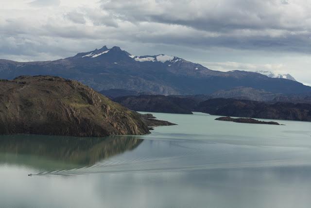 Lago Nordenskjold Torres del Paine national park
