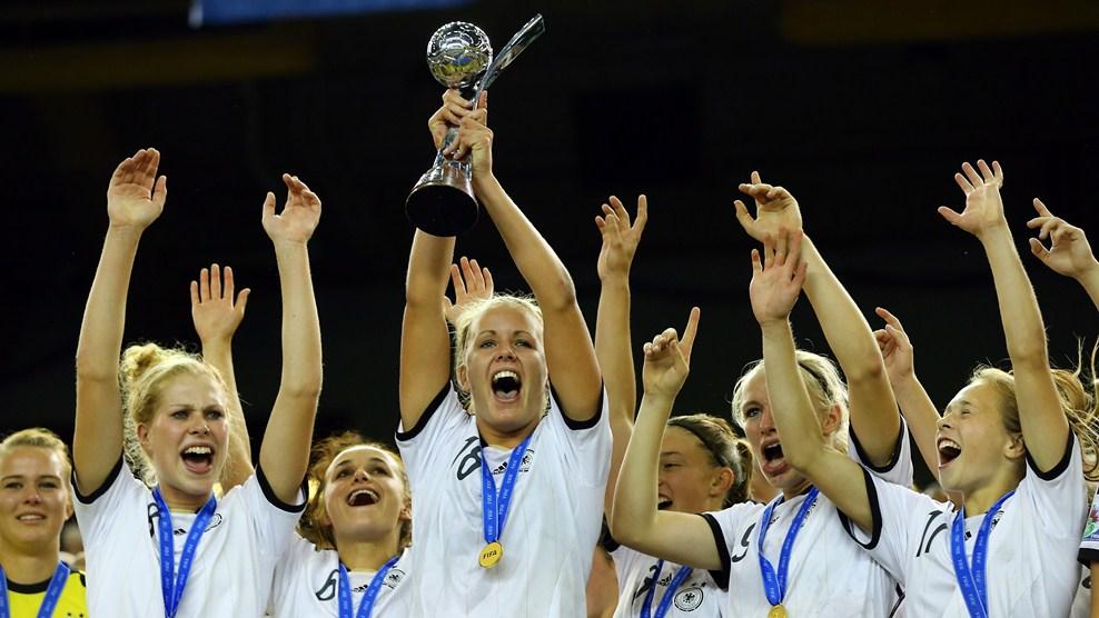 Alemania, Campeon Mundial de la Copa Mundial Femenina Sub-20 Canada 2014. Con gol de Lena Petermann, al minuto 98 de tiempos extras, la Seleccion alemana se coronó ante Nigeria en la Final del Mundial | Ximinia