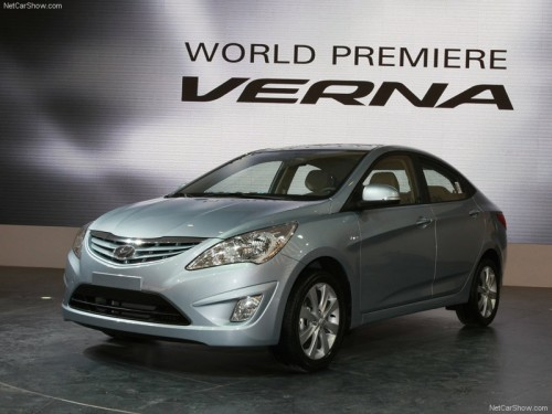 Hyundai Motors Fluidic Varna Images Photos Price