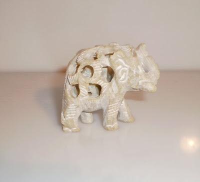 Lyukas hasú elefánt