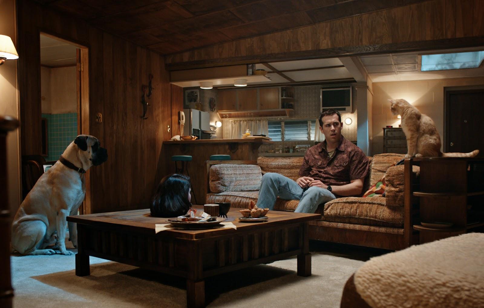 Ryan Reynolds entouré de son chien et de son chat dans The voices, de Marjane Satrapi (2015)