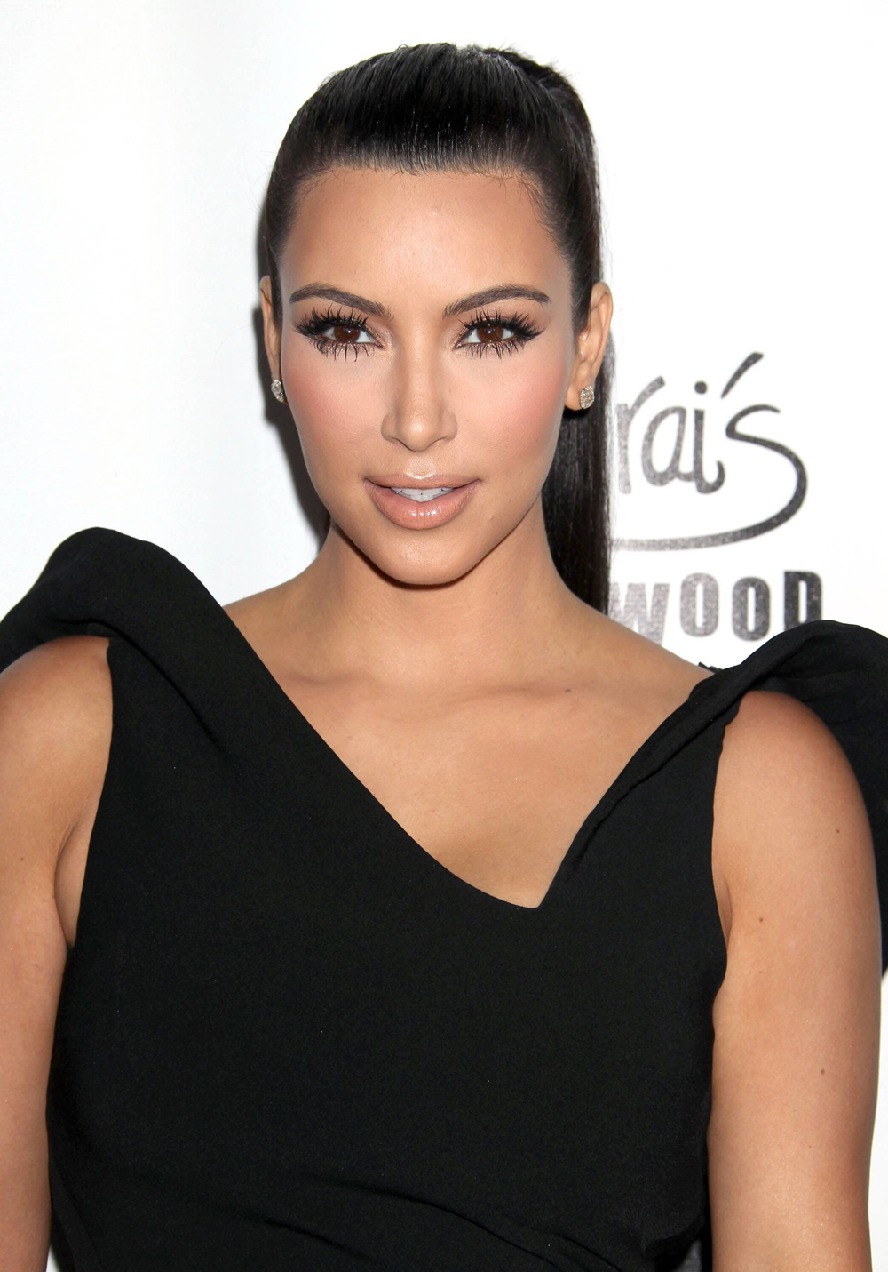 Kim Kardashian Black Ponytail Hairstyles 04