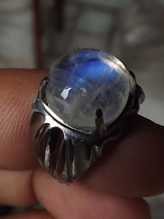 bluesheen moonstone