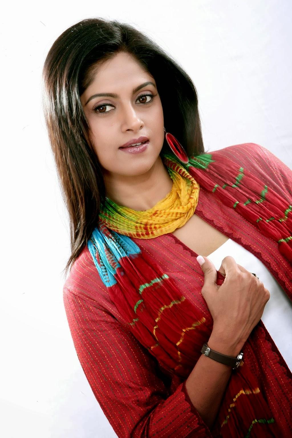 Nadiya Latest Trendy P...