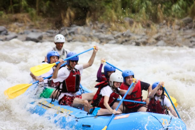 Rafting-in-Costa_Rica
