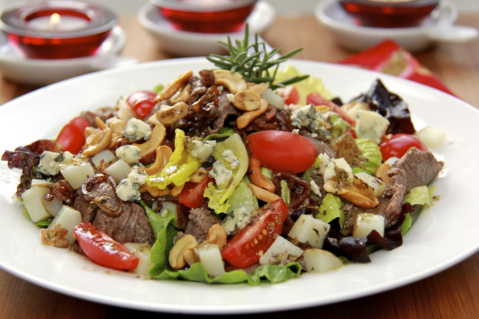 Sliced Steak Salad - Quick & Delicious - a Meal-in-One ...