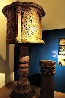 Púlpito de Madeira no Museu Diocesano de San Ignacio Guazu, no Paraguai.