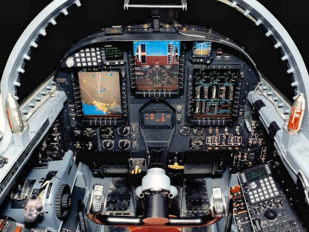 http://2.bp.blogspot.com/-YsNBS7WmBSI/TWYKhTt6DMI/AAAAAAAABSA/Bcens5YoadY/s1600/u2_cockpit.jpg