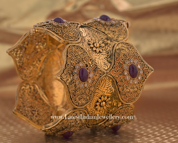 Perfectly Carved Gold Bangle