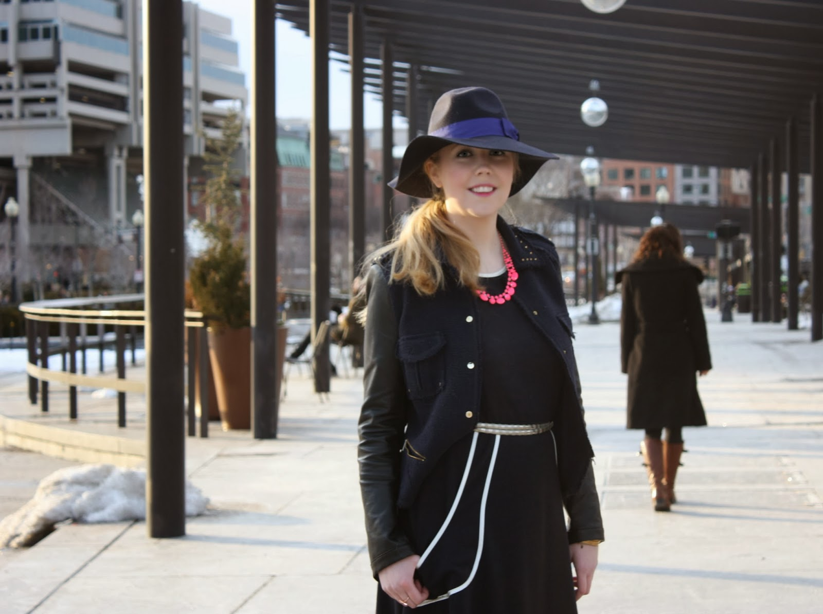 Zaffre Fedora, How to Wear Navy, outfits, Boston Fashion, Boston Fashion Blog, Neon Necklaces, How to Wear Neon