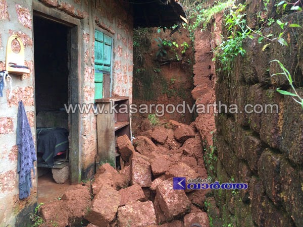 Alampady, Kasaragod, Lightning, Kerala, Water Tank, House, Wall, Wall Collapsed, Water Tank Collapse, Lightning water tank and wall collapsed
