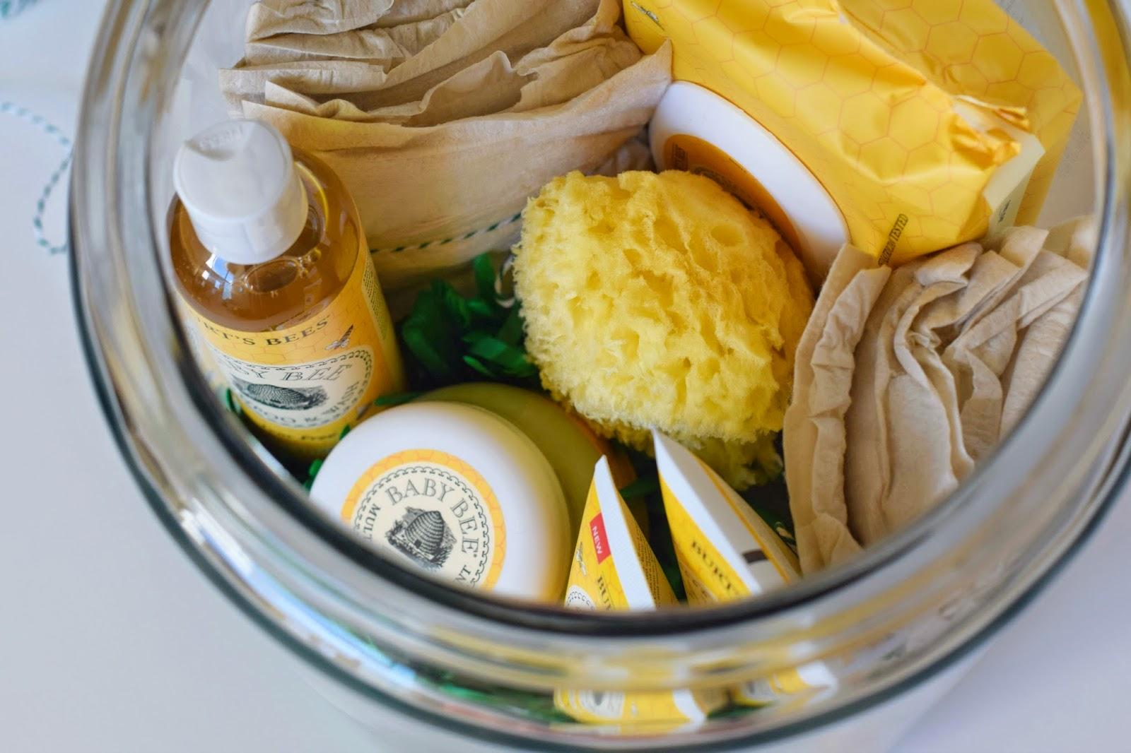 Baby Gift in a Jar, Natural Baby Gift, Burt's Bees Baby Bee, #BabyBee,