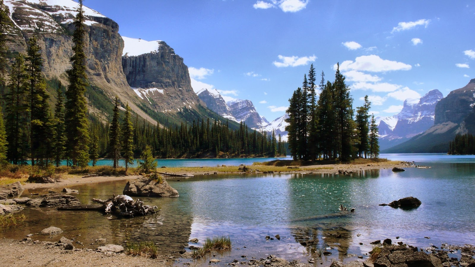 http://2.bp.blogspot.com/-YtBICDfidG4/T47D0G9CCnI/AAAAAAAADS0/G3Z-xSLnQo4/s1600/canadian-mountain-lake-windows-8-wallpaper-1920x1080.jpg