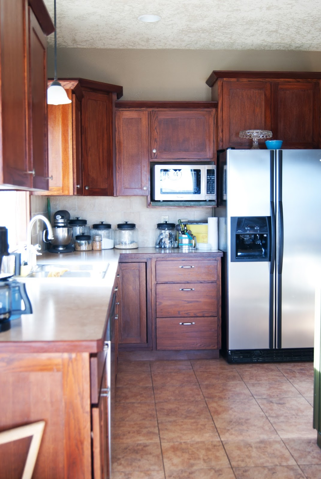 Painting the kitchen cabinets primer paint averie for Best primer for painting kitchen cabinets