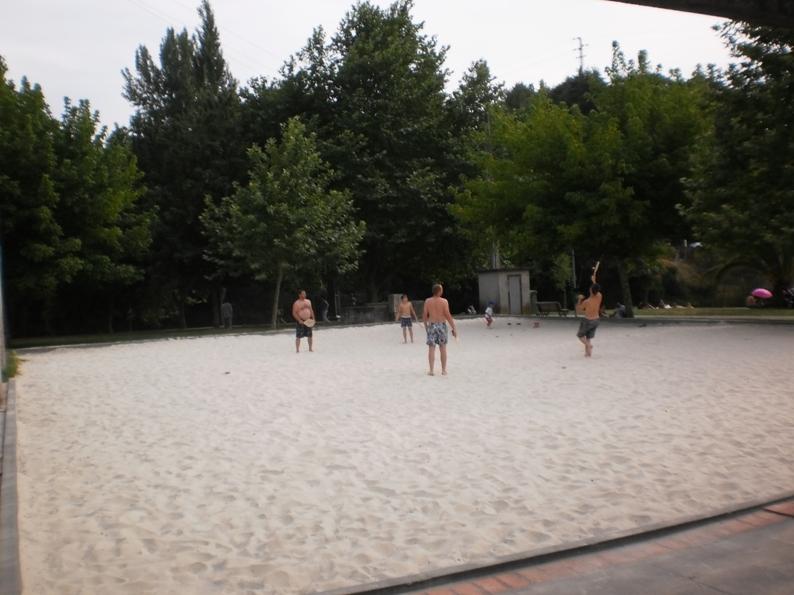 Campo para futebol e voléi de praia