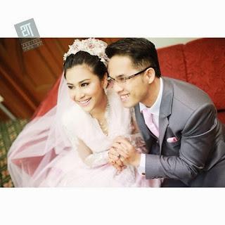 Lihat lagi gambar semasa mejlis resepsi perkahwinan Fouziah Gous dan