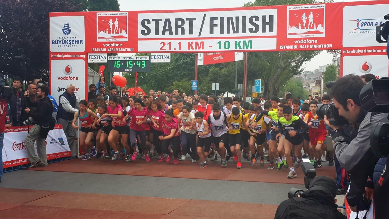 Vodafone Yarı İstanbul Maratonu 2014 Nisan start
