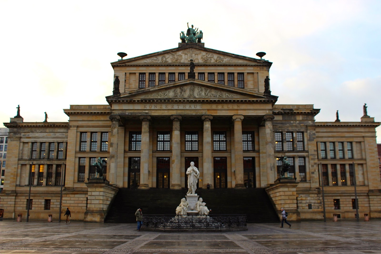 Berlin Gendarmenmarkt Konzerthaus