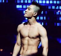 taeyang bigbang body shape