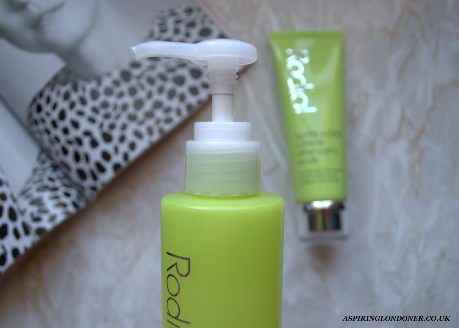 Rodial Super Acids X-treme Exfoliating Glycolic Cleanser Review - Aspiring Londoner