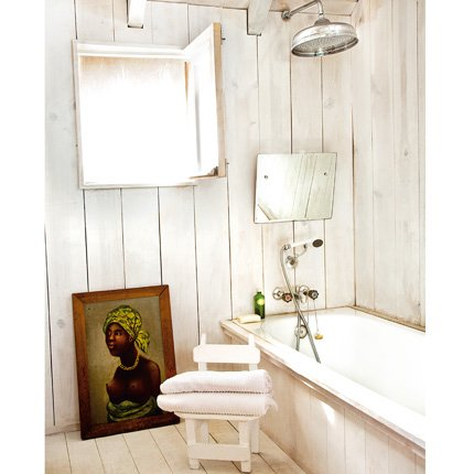 blog.oanasinga.com-interior-design-photos-unconventional-white-bathroom+(3)