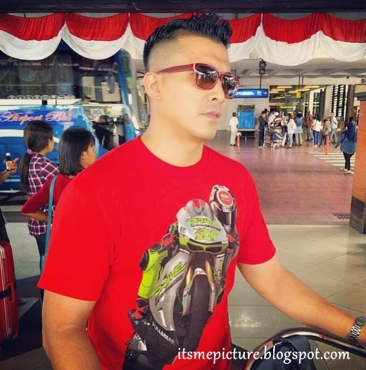 Screen Shot 2014 08 27 at 2.15.37 AM Aaron Aziz Tayang Spender Putih Di Instagram