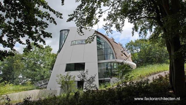 Villa ultra-moderna y aspecto futurista en Beekbergen, Holanda
