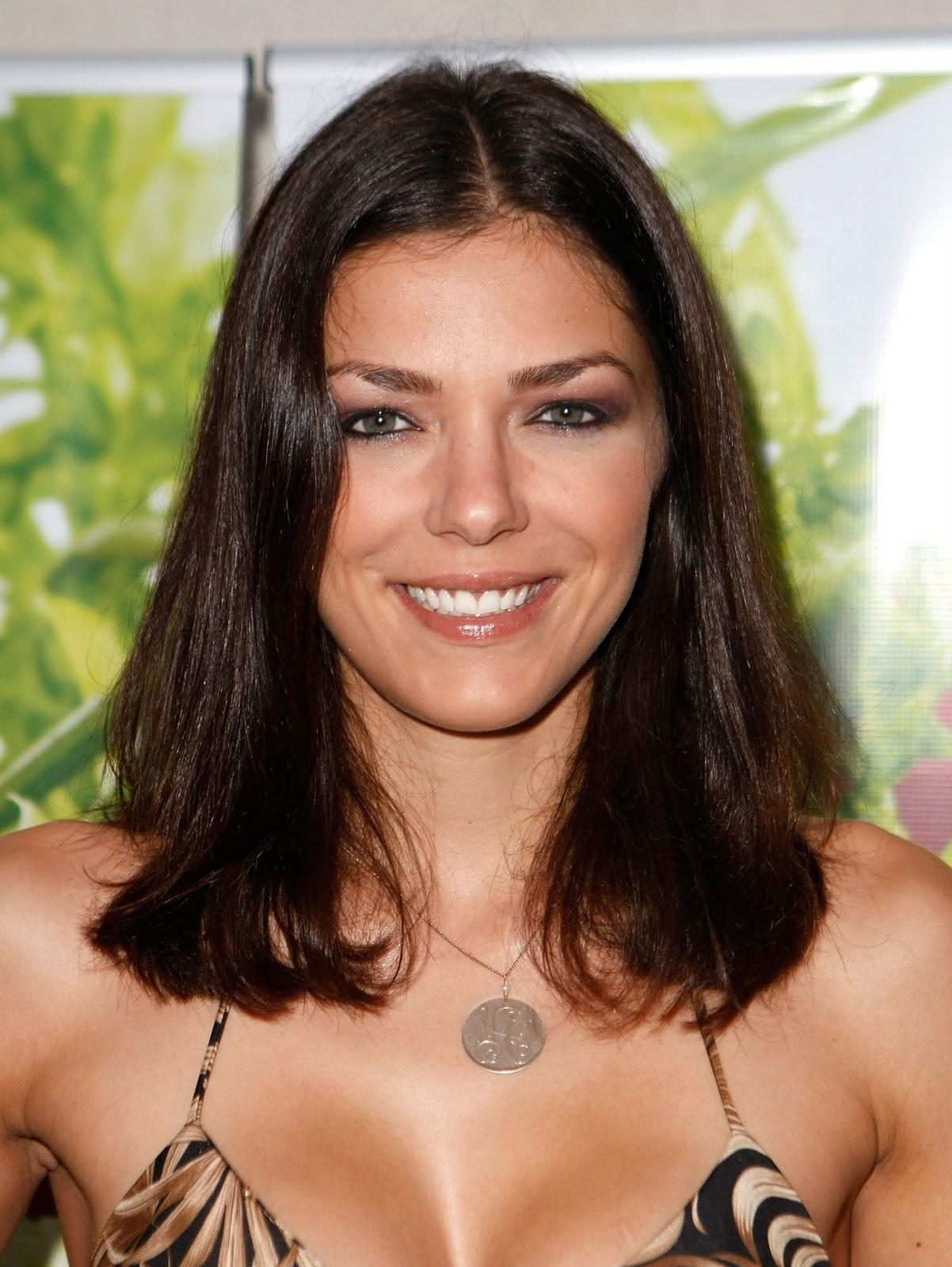 http://2.bp.blogspot.com/-YubS-Jw3dD0/Tst50JarVKI/AAAAAAAAGxI/8d5Ahxs6nlw/s1600/Adrianne-Curry+hairstyles+%25281%2529.jpg