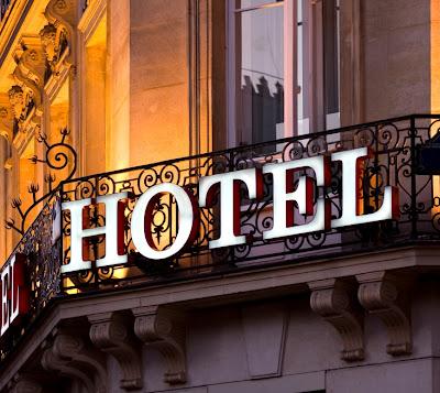Celebrity-Hotel-Drama-Stories