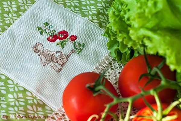 Dans mon jardin,  V. Enginger, Вероник Ажинер, мой сад, вышивка девочка с томатами, вышивка мальчик с возом редиски, коврик для сушки посуды, мат для посуды, шитье и вышивка, кухонные аксессуары, кухонный тестиль своими руками, уют в доме своими руками