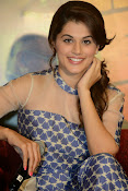 Taapsee pannu latest glam pics-thumbnail-8
