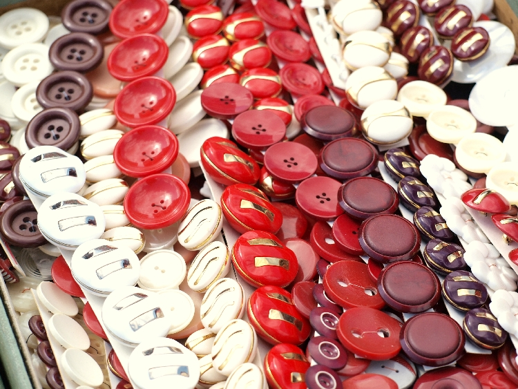 button collection {photo walk: fleamarket finds II by momentstolivefor}