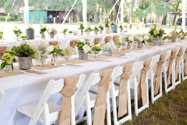 White Tablecloth With Burlap Runner