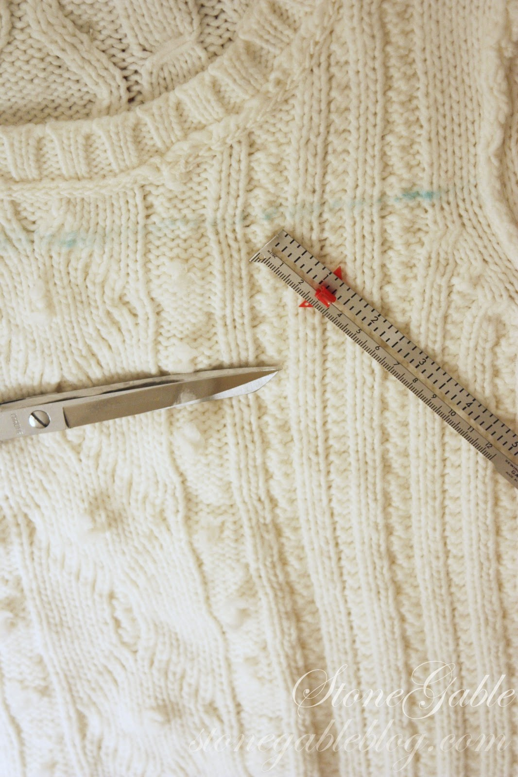 SWEATER PILLOW TUTORIAL - StoneGable 13b5ce75d