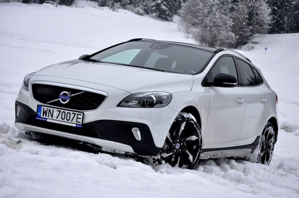 volvo v40 cross country 54 prices features wallpapers. Black Bedroom Furniture Sets. Home Design Ideas