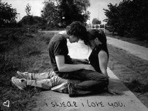 Debería estar cansada de tus manos, de tu pelo, de tus rarezas, pero quiero más, YO QUIERO MÁS!
