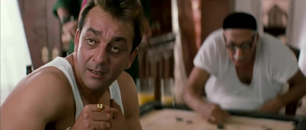 Screen Shot Of Hindi Movie Munnabhai M.B.B.S. (2003) Download And Watch Online Free at worldfree4u.com
