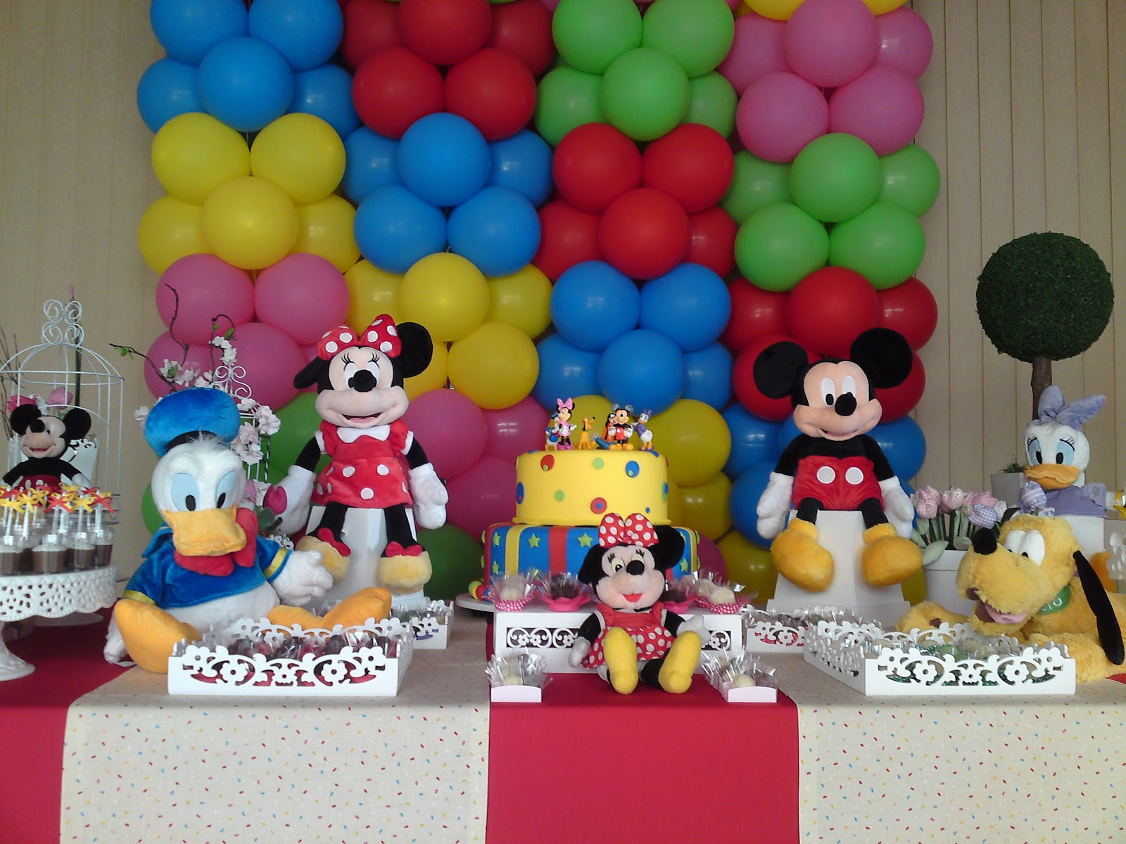 Festa Da Linda Laura  Com Toda A Turma Do Mickey