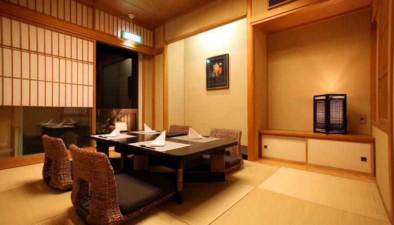 ご家族・グループのお客様はこちら和室(最大4名様可)もございます。