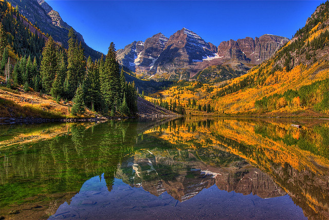 Beautiful Scenery - Maroon Bells, Aspen, Colorado by Thad Roan