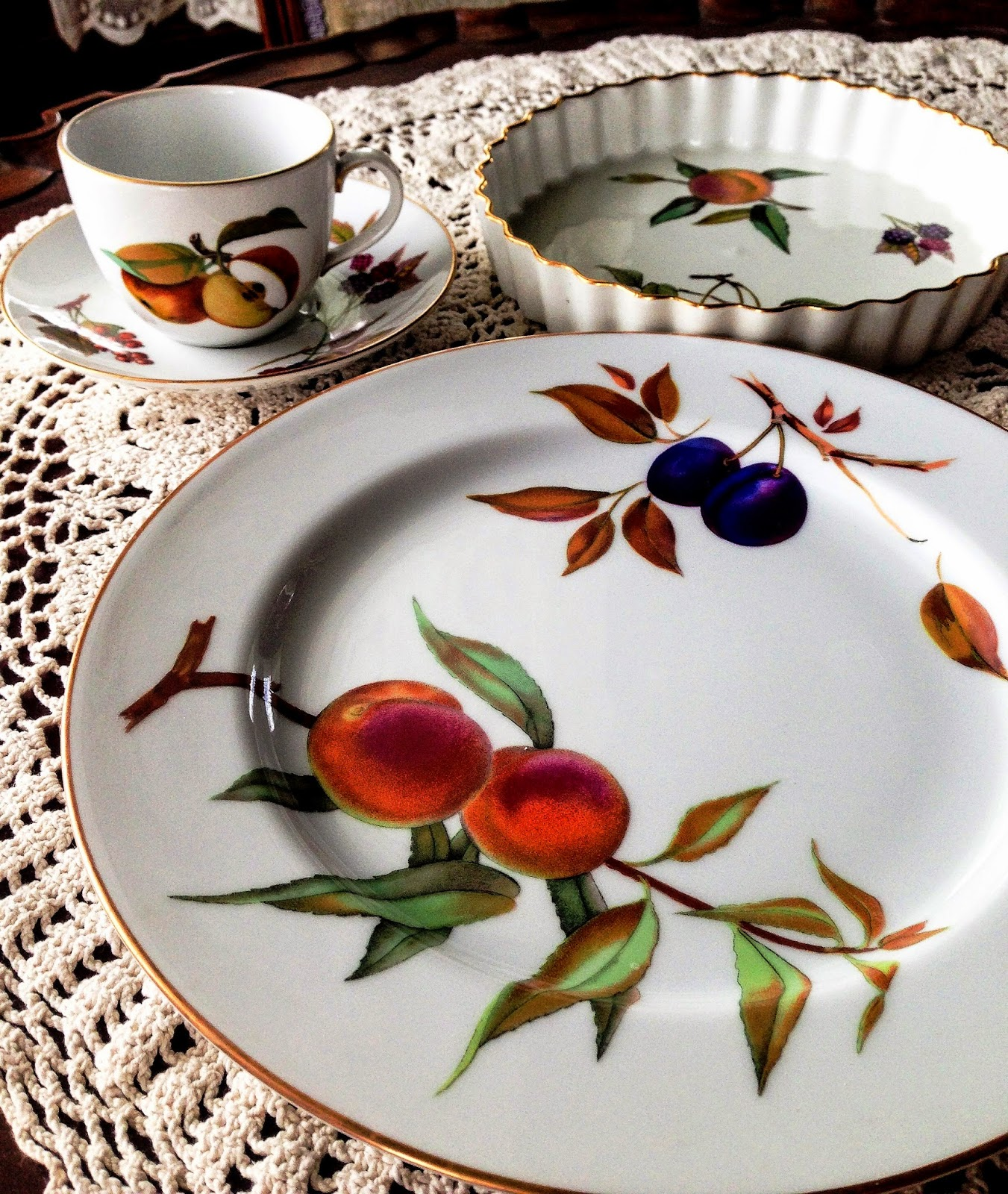 In 1982 I Thought This Would Be A Great Everyday Pattern Pretty But Not Too Fussy Or Fancy Notice The Gold Rim Had No Idea What Was About To