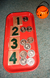 Halloween-Montessori-Tray