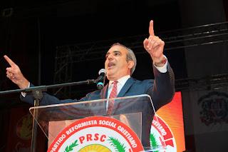 Luis Abinader asume candidatura del PRSC; promete derrotar la corrupción, la impunidad y la inseguridad