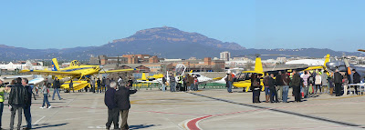 Exposició dels aparells a la Plataforma R-1 de l'Aeroport de Sabadell. Patrona 2012