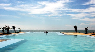 Palagama Beach Resort Infinity pool
