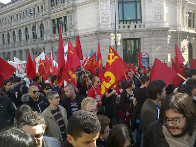 [Madrid] Fotos del bloque comunista (CJC, UP, PCPE, UJC-M) en la manifestación del 19F 19022012131