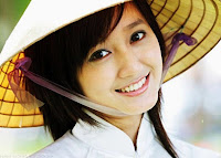 Vietnamese girl with a beautifull smile